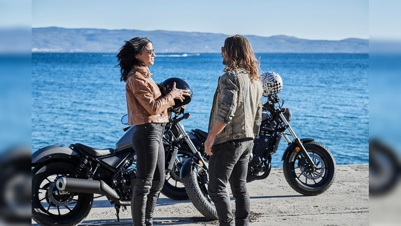 Motorcycle Manufacturers Are Scrambling For New Riders - image 725024