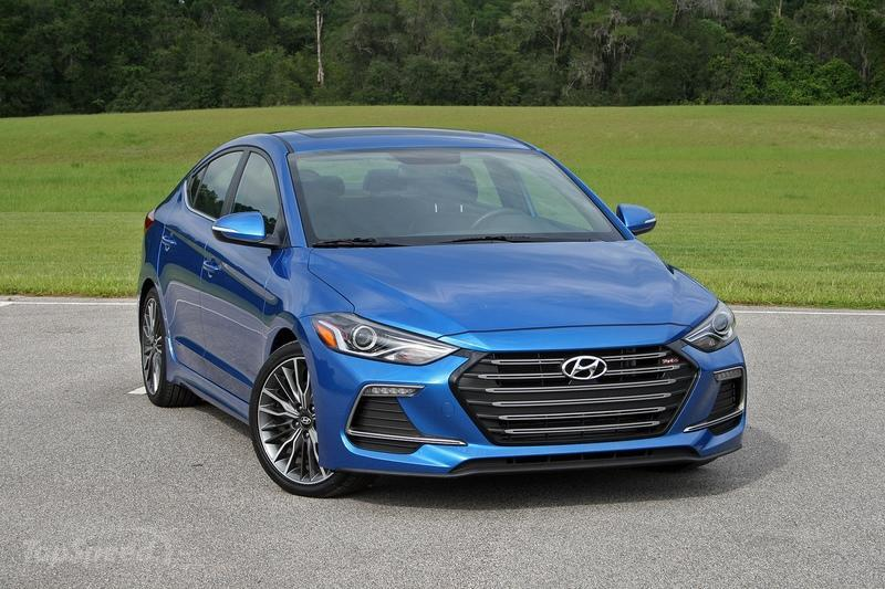 2017 Hyundai Elantra Sport – Driven Exterior High Resolution - image 723052