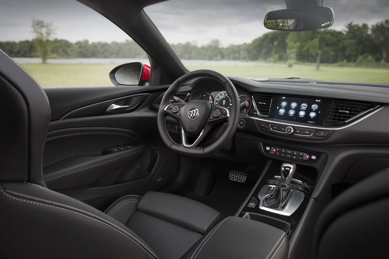 2018 Buick Regal GS Interior High Resolution - image 724123