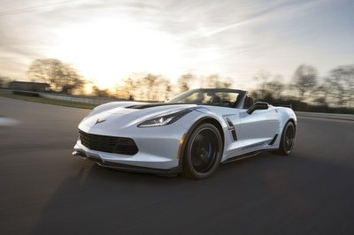 2018 Chevrolet Corvette Stingray: Fresh Options, Familiar Sticker - image 724839
