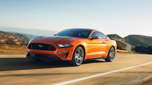 2018 ford mustang goes from 0 to 60 mph in under 4 seconds news top speed. Black Bedroom Furniture Sets. Home Design Ideas