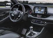 8 Awesome Looking Steering Wheels in Attainable Cars - image 723144
