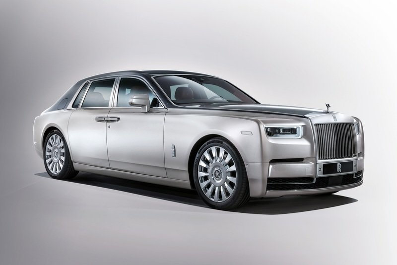 Rolls-Royce Reveals Next-Gen Phantom VIII