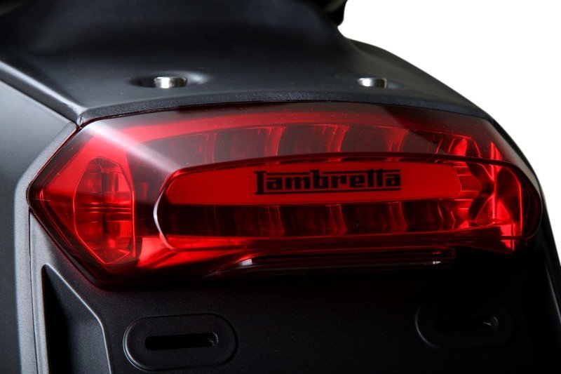 A Lambretta called 'V-Special' has just entered the 21st century. Exterior - image 723111