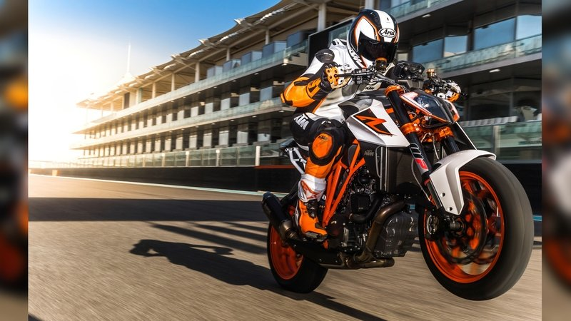 2015 - 2016 KTM 1290 SUPER DUKE R ABS