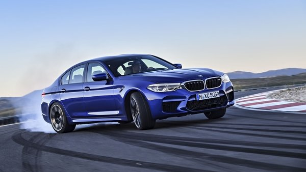 2018 bmw m5 review top speed. Black Bedroom Furniture Sets. Home Design Ideas