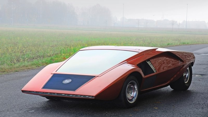 Bertone to auction off concept car collection at Villa d'Este - image 727791