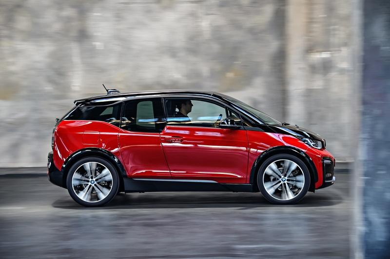 BMW Unveils 2018 i3 and i3s