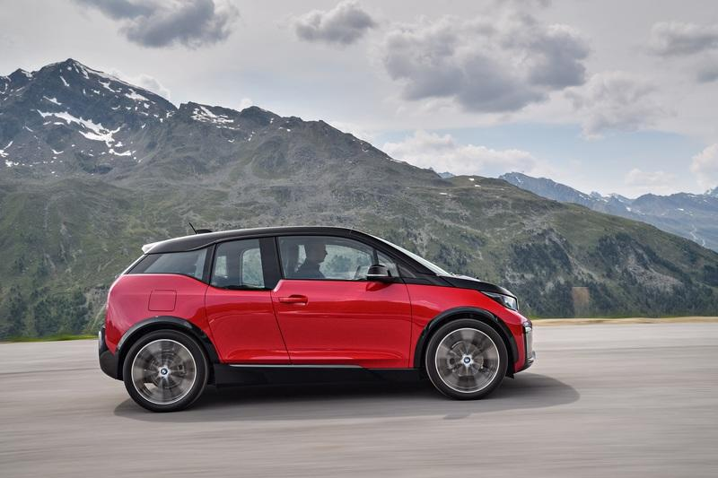 The BMW i3 Will Die a Slow Painful Death Because It's The Black Sheep of the Family High Resolution Exterior - image 728651