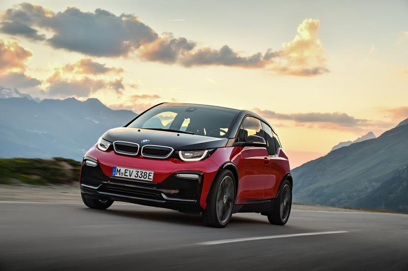The BMW i3 Will Die a Slow Painful Death Because It's The Black Sheep of the Family