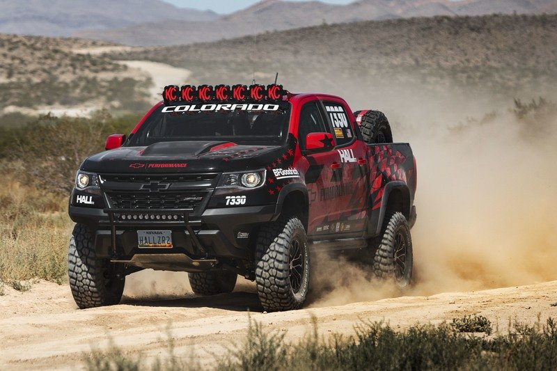 Chevrolet Colorado ZR2 Makes Racing Debut At Best in the Desert
