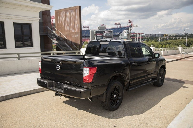 2017 Nissan Titan & Frontier Midnight Editions