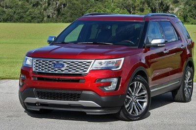 2017 Ford Explorer – Driven - image 728384