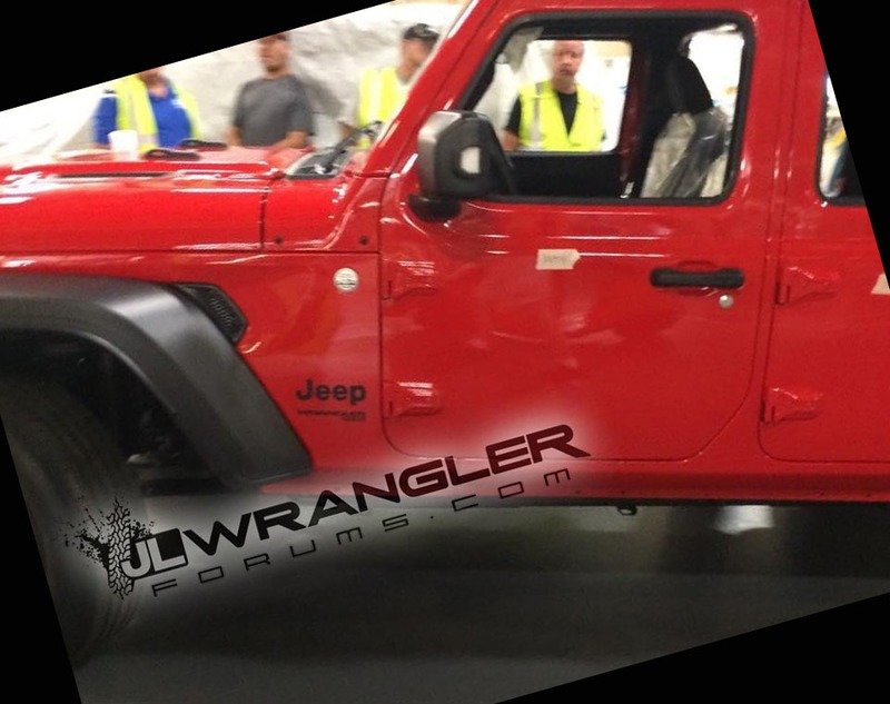 Holy Toledo! 2018 Jeep Wrangler JL Breaks Cover Exterior - image 726592