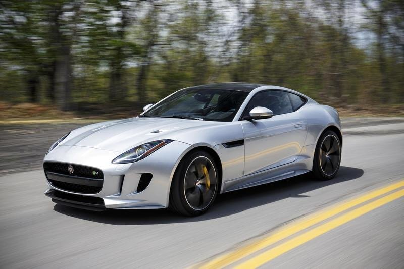 Jaguar Travels The World To Show The People Of Dull And Boring The F-Type: Video
