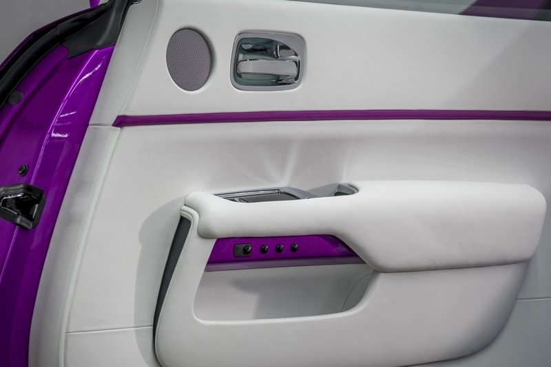 2017 Rolls Royce Dawn in Fuxia Interior High Resolution - image 727773