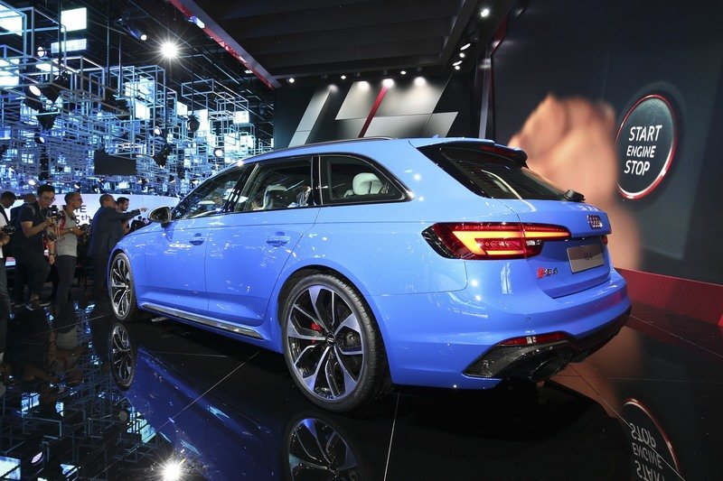 2018 Audi RS4 Avant AutoShow High Resolution Exterior - image 731410