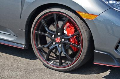 Managing The Bump: A Look at the Civic Type R's Suspension - image 729278