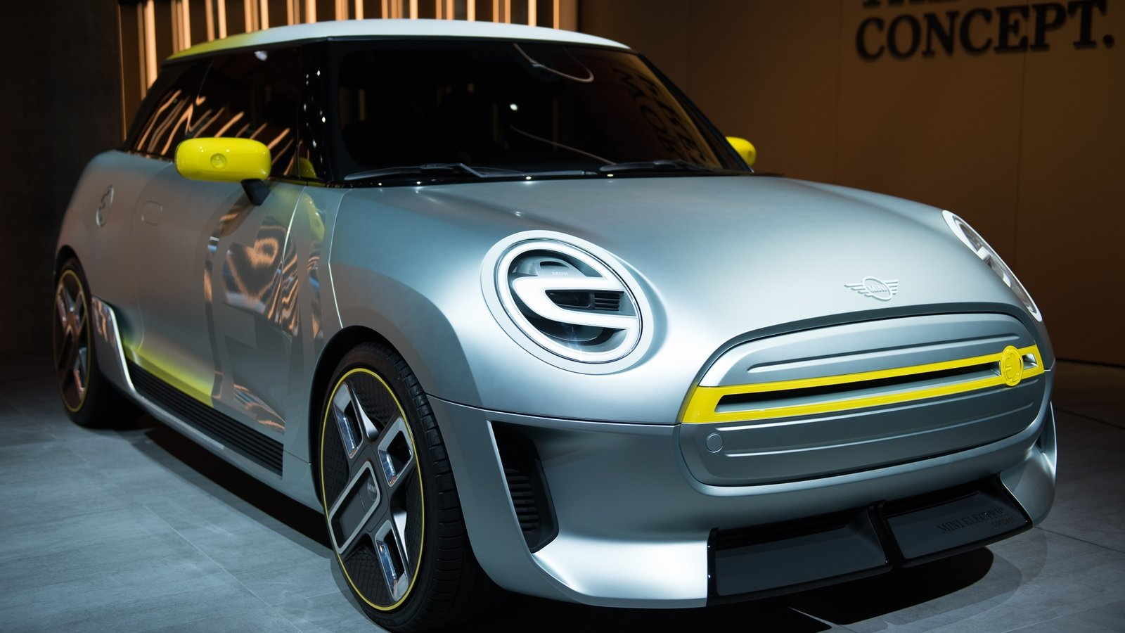 Mini Cooper Electric >> 2017 MINI Electric Concept Review - Top Speed