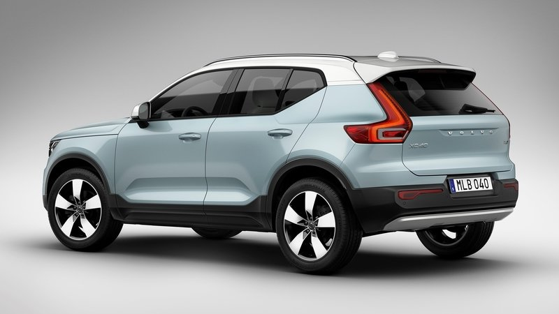 2018 Volvo XC40 Proves D-Pillars Are Getting Thicker