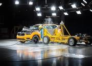 Side-Impact Crash Test Shows 2018 Volvo XC40 is a Winner - image 733022