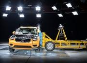 Side-Impact Crash Test Shows 2018 Volvo XC40 is a Winner - image 733025