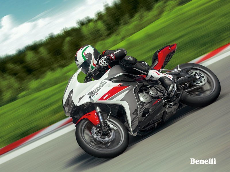 Benelli's new Tornado 302R makes appearance. Exterior - image 732793