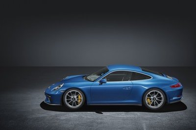 Porsche Introduced the 911 GT3 Touring Package In Response To 911 R Resale Prices - image 730543