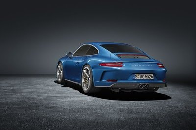 Porsche Introduced the 911 GT3 Touring Package In Response To 911 R Resale Prices - image 730544
