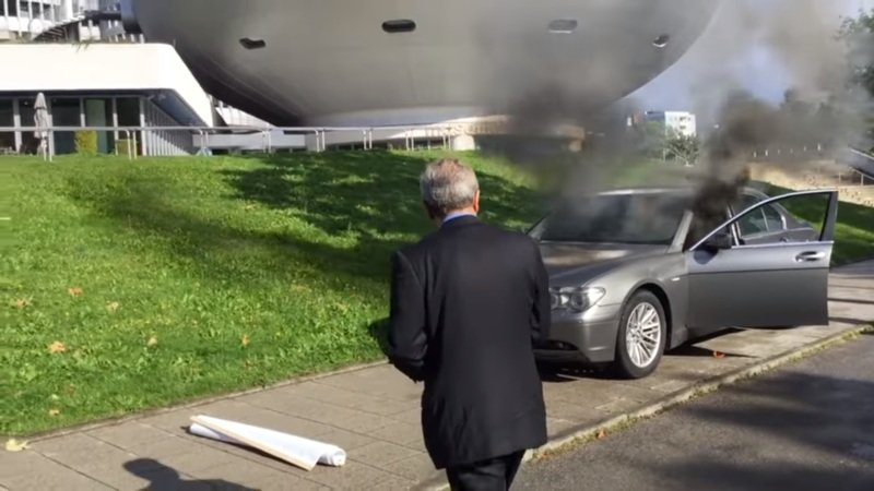 Angry Owner Sets 7 Series on Fire Outside BMW Headquarters