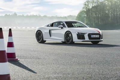 Wallpaper of the Day: 2018 Audi R8 RWS - image 730580