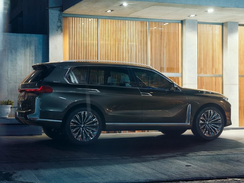 BMW Lives Up To Its Word, Brings Aggressive X7 Concept To Frankfurt High Resolution Exterior - image 729921