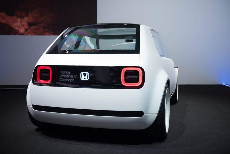 Honda Will Make the Nissan Leaf and VW E-Golf Obsolete When the Urban EV Goes on Sale in 2019 AutoShow High Resolution Exterior - image 731732