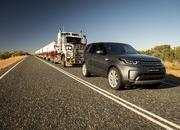 2017 Land Rover Discovery - image 732903