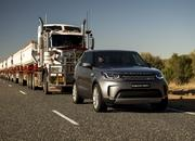 2017 Land Rover Discovery - image 732915