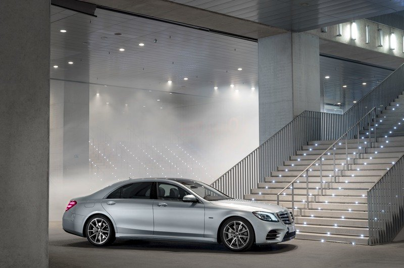 The Mercedes S-Class Family Grows with the Addition of the S 560 e Plug-in Hybrid Wallpaper quality Exterior High Resolution - image 731095