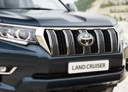 Toyota Gives the 2018 Land Cruiser A Modern Flair for Frankfurt - image 730749