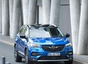 Opel Announces First Hybrid Vehicle at Frankfurt Auto Show - image 730786