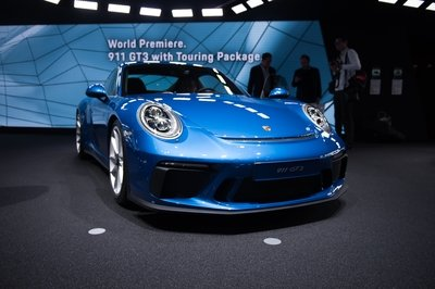 2018 Porsche 911 GT3 with Touring Package - image 731685