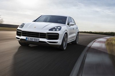 The 2019 Porsche Cayenne Turbo: An SUV with Attitude and Sports Car Performance - image 731157