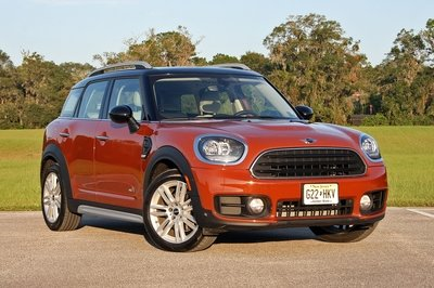 See How The 2017 Mini Cooper Countryman Drives - image 734334