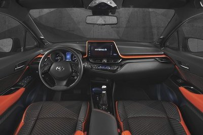 2017 Toyota C-HR Hy-Power Concept - image 730718