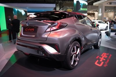 2017 Toyota C-HR Hy-Power Concept - image 731992