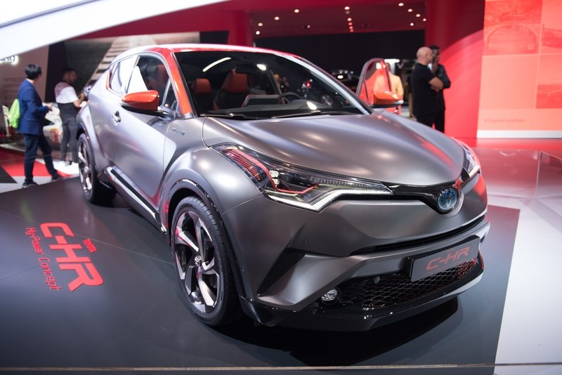 2017 Toyota C-HR Hy-Power Concept