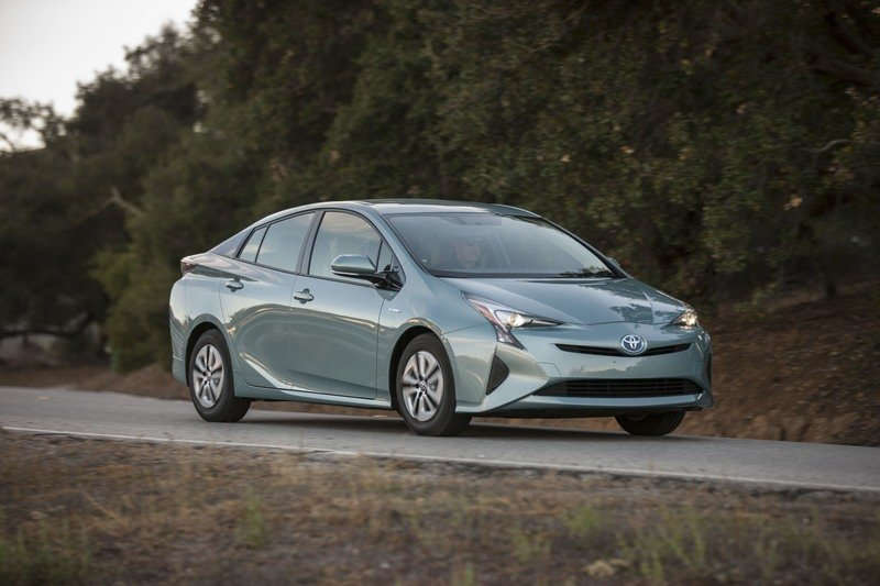 Rumor: Toyota Finally Realizes that the Prius is Ugly; Plans Facelift for 2019