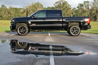2017 Chevrolet Silverado 1500 Z71 Midnight Edition – Driven - image 739865