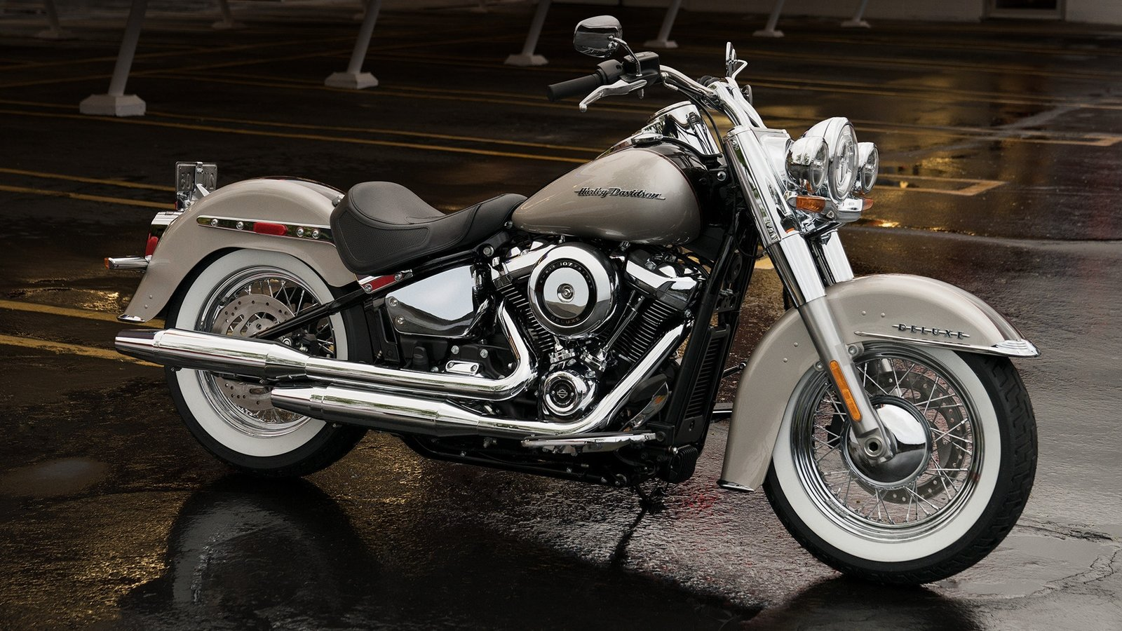 2018 harley davidson softail deluxe review top speed. Black Bedroom Furniture Sets. Home Design Ideas
