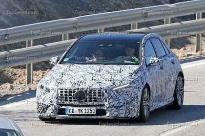 2018 Mercedes-AMG A40 - image 736303