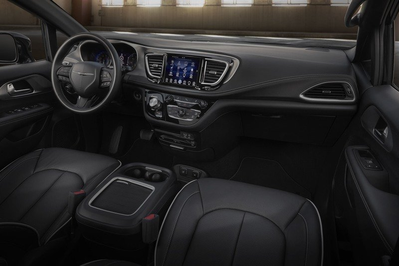 2018 Chrysler Pacifica S Appearance Package