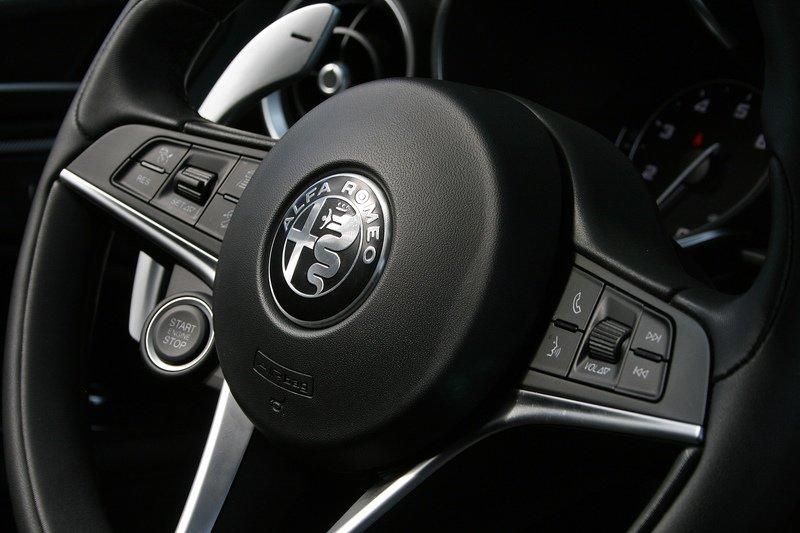 Four things I Hate About the 2018 Alfa Romeo Stelvio Interior - image 741563